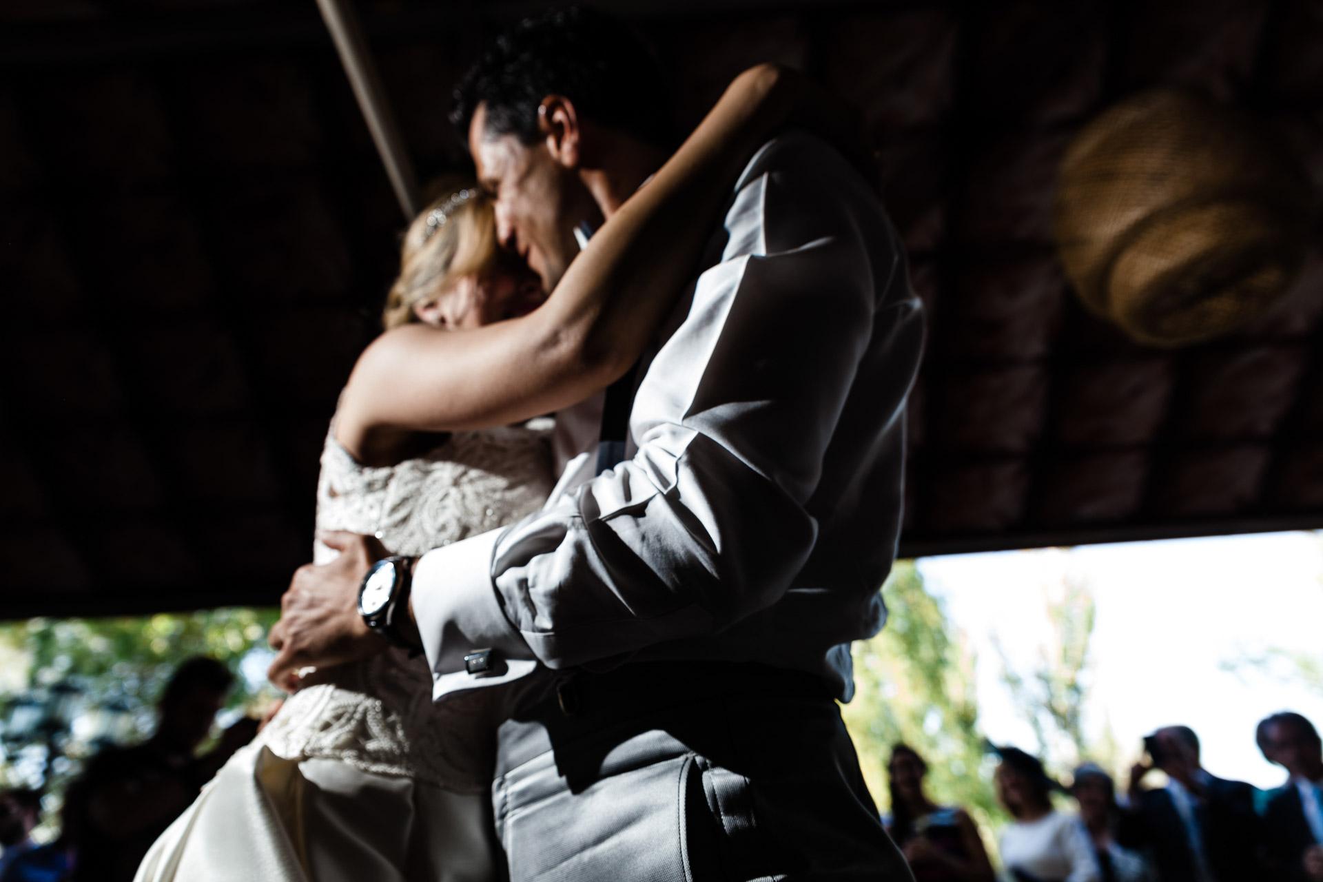 Boda Finca Insula Barataria Zaragozsa Baile de novios Desenfocado