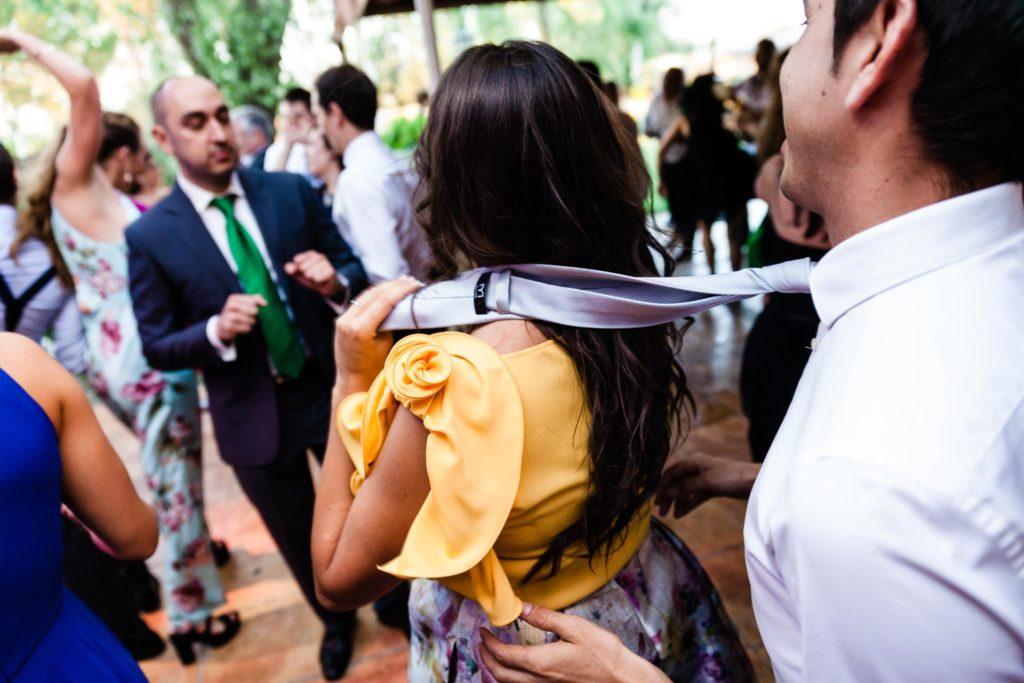 Boda Finca Insula Barataria Zaragozsa Fiesta Bailar corbata