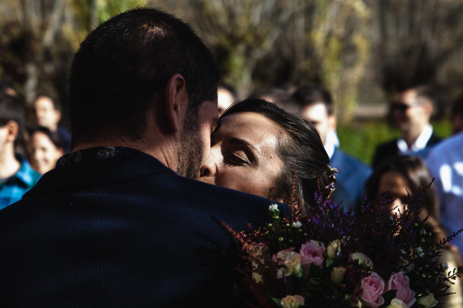 Boda en el Molino Alto, Aliaga, Teruel Camino Ceremonia Beso
