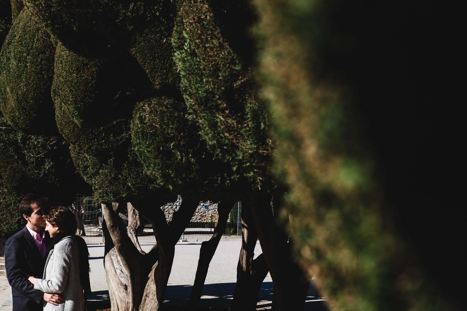 Fotografia Preboda Madrid Sesion pareja Estacion Parque del retiro